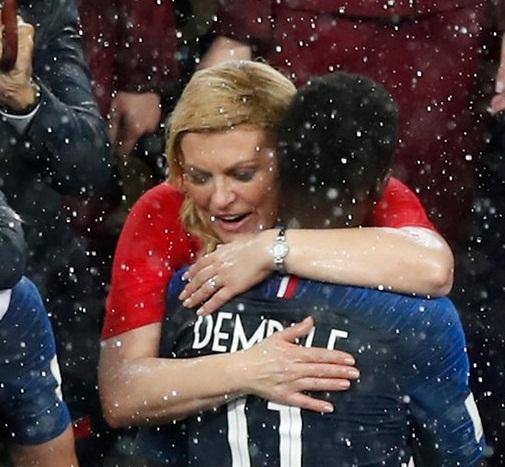 آغوش مادرانه رییس جمهور کرواسی